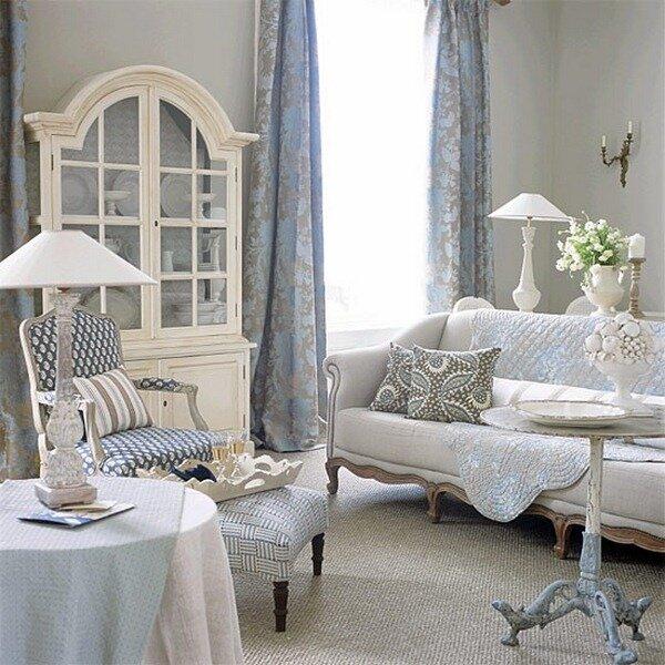 Белая деревянная мебель в стиле Прованс