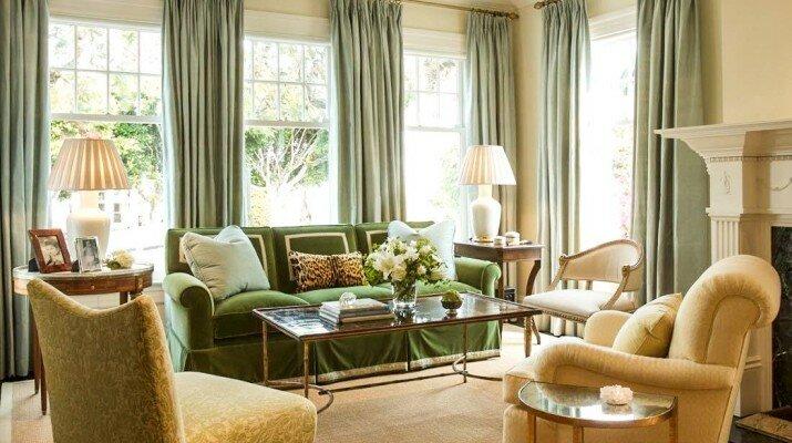 Бледно зеленые шторы без ламбрекена