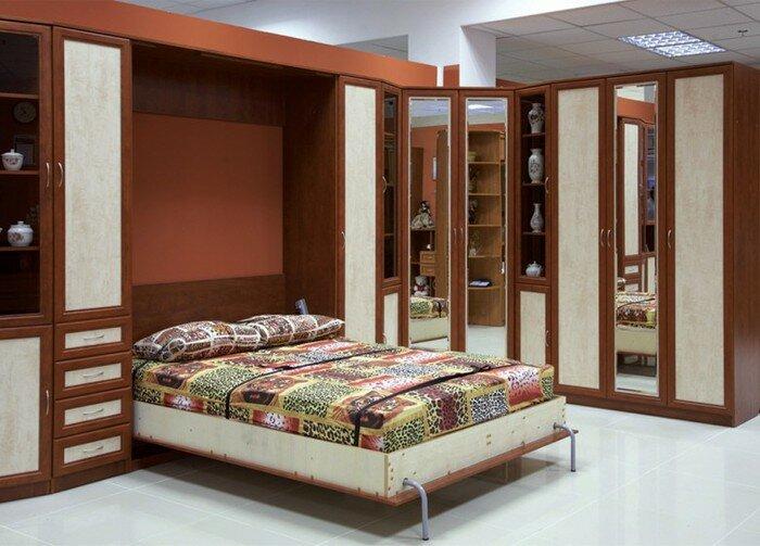 Двухспальная кровать в стенке-горке для гостиной