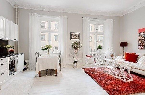 Гостевая зона. совмещенная с кухней, на площади 30 квадратов - дизайн на фото
