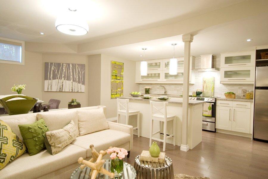 Нарядная гостиная с кухней 30 кв м дизайн фото
