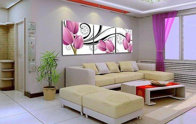 Современные модульные картины в гостиной над диваном