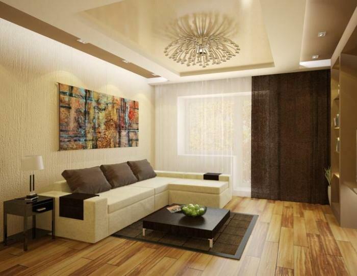В данном интерьере удачно сочетаются большие окна и белая мебель