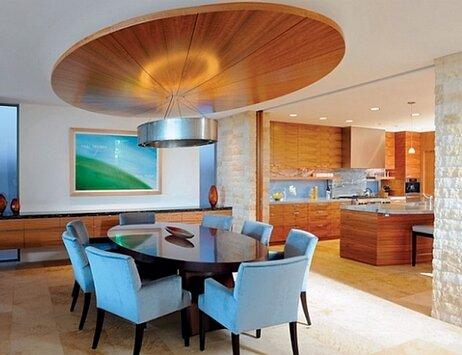 Плитка на полу в гостиной части комнаты